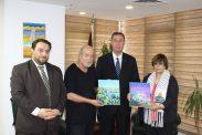 السفير دياب اللوح يستقبل الفنانين التشكيليين طالب دويك ولطيفة يوسف