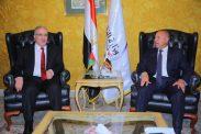 القاهرة : وزير النقل الفلسطيني يلتقي مع وزيري النقل و المواصلات و الطيران المدني المصري