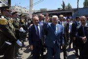 الرئيس يتفقد مخيم الجلزون: لن نقبل ان يعتبروا شهداءنا ارهابيين