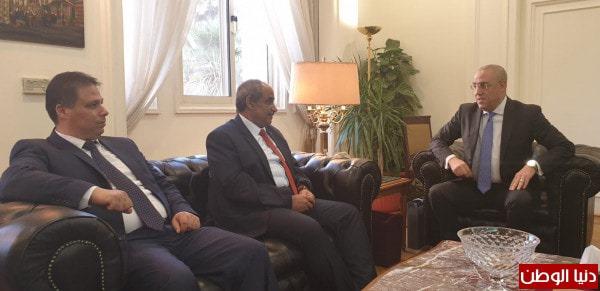 وزير الأشغال يبحث مع نظيره المصري التعاون في قطاعات الإسكان والطرق وإعادة إعمار غزة