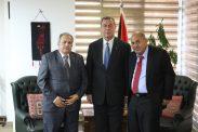السفير دياب اللوح يستقبل رئيس المحكمة الدستورية العليا بفلسطين