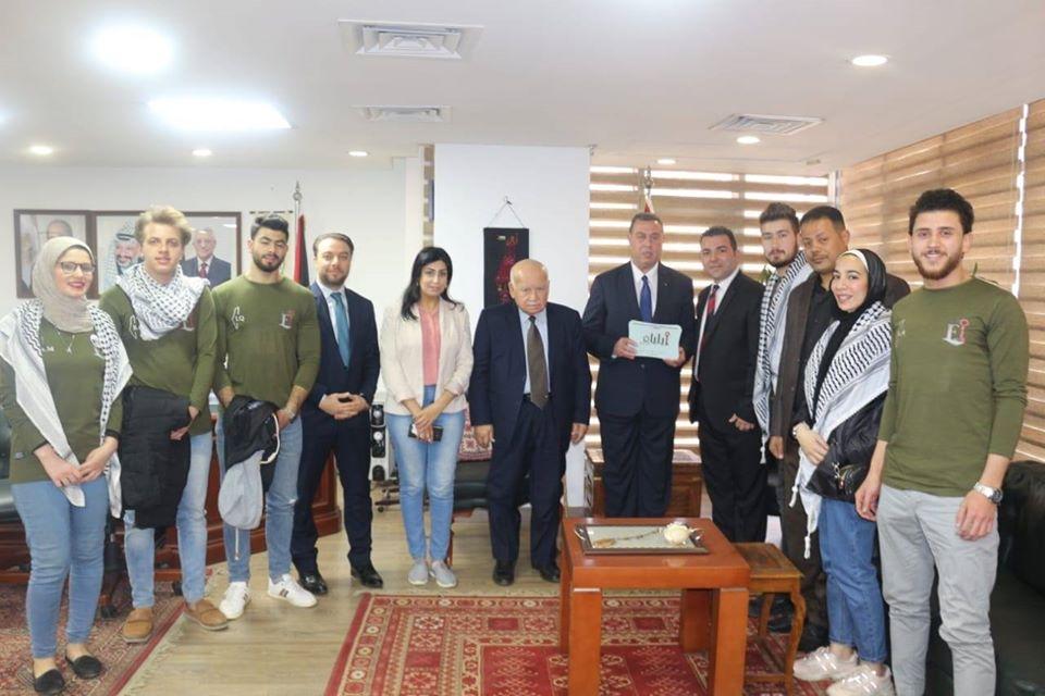 السفير دياب اللوح يستقبل فرقة ايلياء للفنون والتراث الفلسطيني