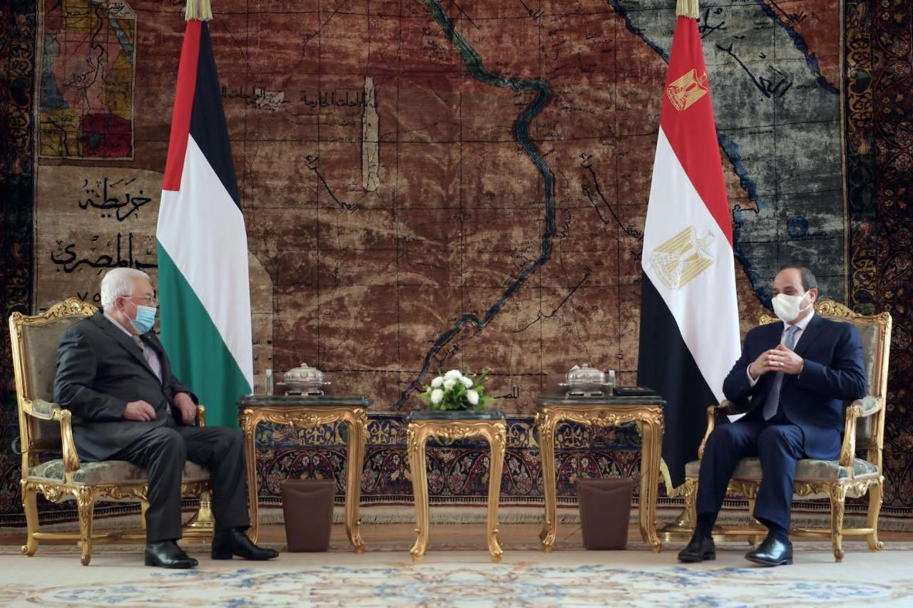 السيسي يؤكد دعم مصر الكامل للمواقف والاختيارات الفلسطينية تجاه التسوية السياسية
