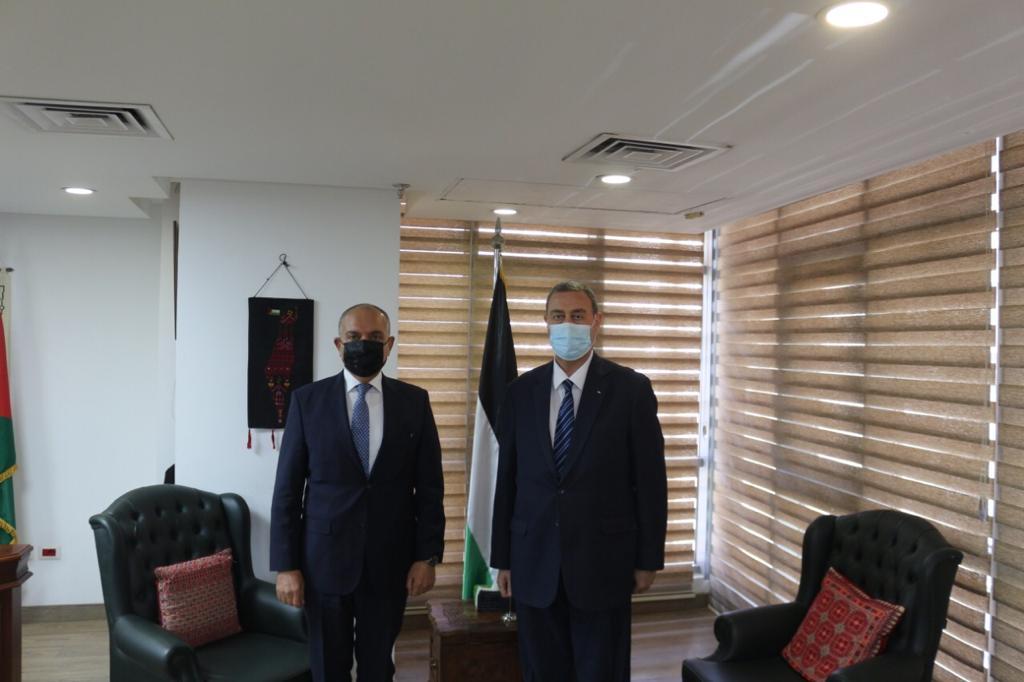 السفير دياب اللوح يستقبل نظيره الأردني في مصر