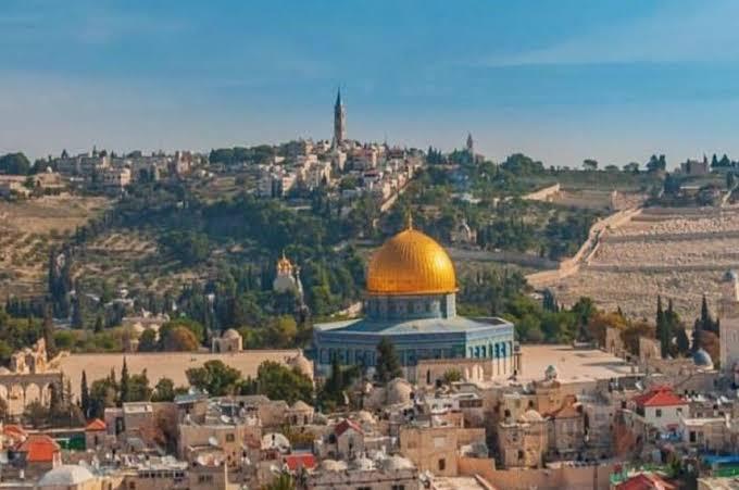 الرئيس خلال اجتماع اللجنة العليا للقدس: لن ندخر جهداً لحماية القدس وأهلها ولن نسمح لأحد العبث بأملاكها